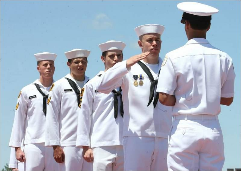 NAVY-SEA-CADETS-GRADUATE-ON-BOYER